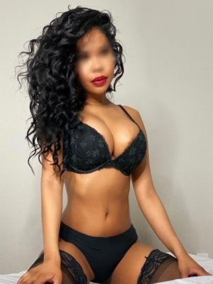 Henrita ts escort girl