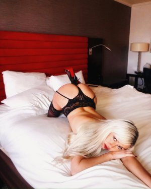 Ghizlen escort girl in West Falls Church