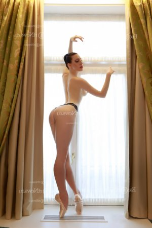 Yuka ts escorts in Maplewood
