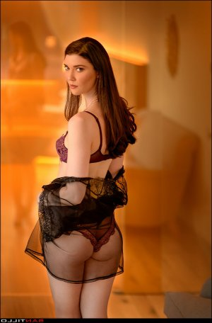 Graciete live escort in Shoreline Washington