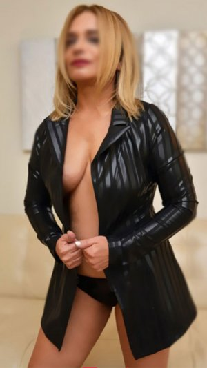 Marie-geneviève escort girls