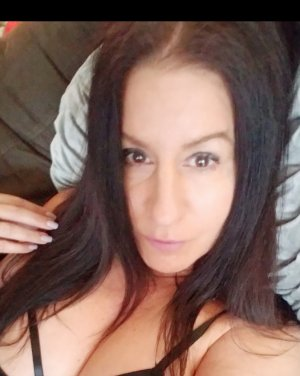 Ester escort girls in Drexel Heights